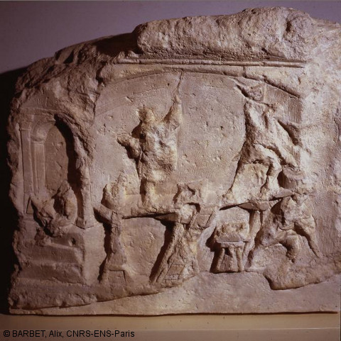 afpma-sens-stele-artisan-fresque